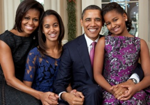 obama_family_portrait_2011_620x433